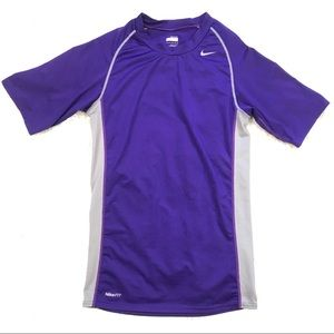 🌵 Nike Womens Medium Short Sleeve Fitted T Shirt